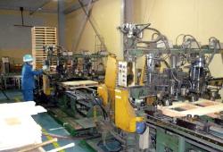自動釘打ち機で製造するパレット